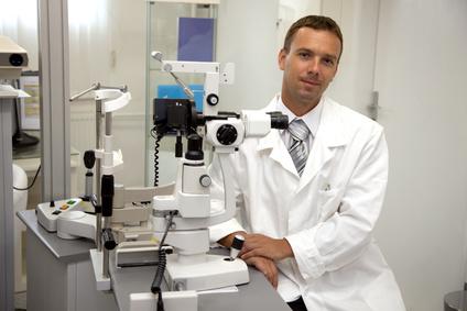 דוקטור במרפאת עיניים
