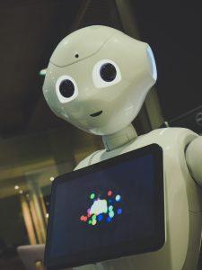 Intuition Robotics EllieQ – רובוט ישראלי למען הגיל השלישי